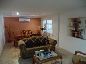 Casa En Venta En Maracaibo, Club Hipico, Venezuela, VE RAH: 16-1486