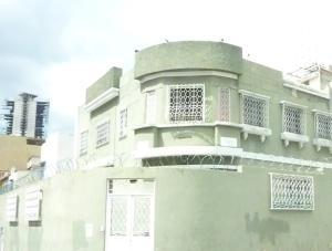 Casa En Venta En Caracas, Guaicaipuro, Venezuela, VE RAH: 15-15581
