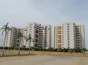 Apartamento En Venta En Maracaibo, Avenida Goajira, Venezuela, VE RAH: 16-1543