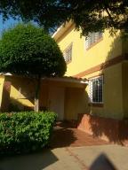 Casa En Venta En Maracaibo, La Limpia, Venezuela, VE RAH: 16-1597