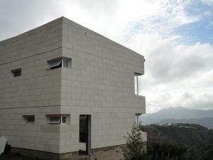 Casa En Venta En Caracas, La Lagunita Country Club, Venezuela, VE RAH: 16-1641