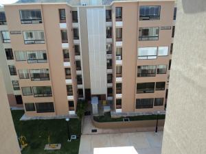 Apartamento En Venta En Municipio San Diego, Los Jarales, Venezuela, VE RAH: 16-1677