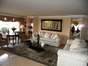 Apartamento En Venta En Caracas - Colinas de Valle Arriba Código FLEX: 16-1667 No.3
