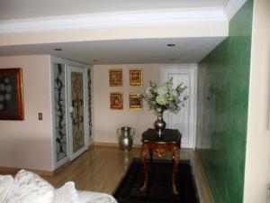 Apartamento En Venta En Caracas - Colinas de Valle Arriba Código FLEX: 16-1667 No.8