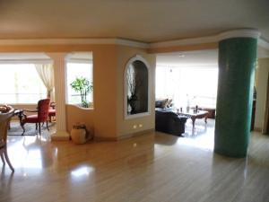 Apartamento En Venta En Caracas - Colinas de Valle Arriba Código FLEX: 16-1667 No.9