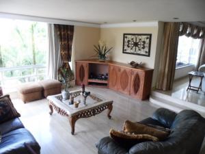 Apartamento En Venta En Caracas - Colinas de Valle Arriba Código FLEX: 16-1667 No.6