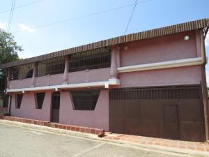 Casa En Venta En San Sebastian De Los Reyes, Sector El Polvero, Venezuela, VE RAH: 16-1730