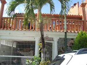 Townhouse En Venta En Guatire, Country Club Buena Ventura, Venezuela, VE RAH: 16-1699