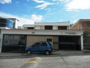 Casa En Venta En Caracas, El Marques, Venezuela, VE RAH: 16-1714