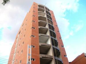 Apartamento En Venta En Maracay, Avenida Ayacucho, Venezuela, VE RAH: 16-1722