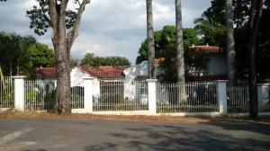 Casa En Venta En Caracas, Country Club, Venezuela, VE RAH: 16-1929