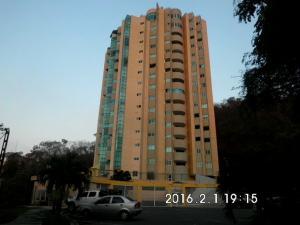 Apartamento En Venta En Valencia, Las Chimeneas, Venezuela, VE RAH: 16-1908