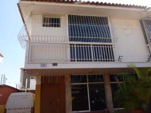 Casa En Venta En Caracas, El Marques, Venezuela, VE RAH: 16-1955