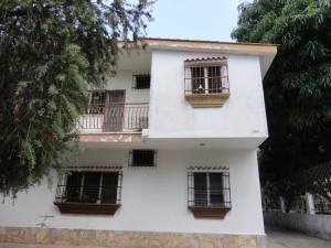 Apartamento En Venta En Valencia, Trigal Sur, Venezuela, VE RAH: 16-2037