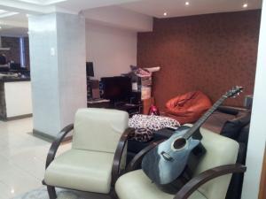 Apartamento En Venta En Maracaibo, El Milagro, Venezuela, VE RAH: 16-2102