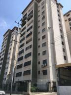 Apartamento En Venta En Valencia, Avenida Bolivar Norte, Venezuela, VE RAH: 16-1034
