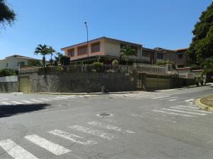 Casa En Venta En Caracas, El Marques, Venezuela, VE RAH: 16-2276