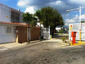 Casa En Venta En Caracas, Alto Prado, Venezuela, VE RAH: 16-2277