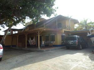 Casa En Ventaen Chichiriviche, Playa Sur, Venezuela, VE RAH: 16-2164