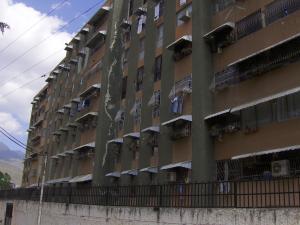 Apartamento En Venta En Guarenas, El Calvario, Venezuela, VE RAH: 16-2168