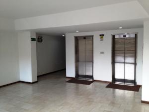 Apartamento En Venta En Caracas - Terrazas del Avila Código FLEX: 16-2223 No.3