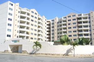 Apartamento En Venta En Margarita, Playa El Angel, Venezuela, VE RAH: 16-2256