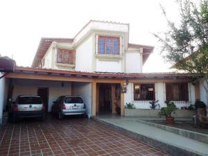 Casa En Venta En Caracas, Colinas De Santa Monica, Venezuela, VE RAH: 16-2257