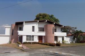 Casa En Venta En Araure, Araure, Venezuela, VE RAH: 16-2272