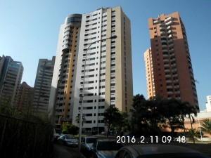Apartamento En Venta En Valencia, Valle Blanco, Venezuela, VE RAH: 16-2296