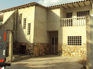Townhouse En Venta En Turmero, La Mantuana, Venezuela, VE RAH: 16-2314
