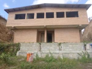 Casa En Venta En Caracas, Los Robles, Venezuela, VE RAH: 16-4636