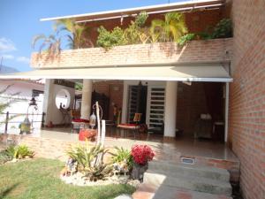 Casa En Venta En Caracas, Colinas De Los Ruices, Venezuela, VE RAH: 16-2465