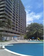 Apartamento En Venta En Parroquia Naiguata, Camuri Grande, Venezuela, VE RAH: 16-2523