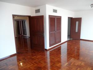 Apartamento En Venta En Maracaibo, La Lago, Venezuela, VE RAH: 16-2584