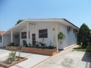 Casa En Venta En Guacara, Ciudad Alianza, Venezuela, VE RAH: 16-2787