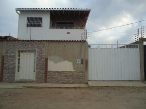 Casa En Venta En Carora, Municipio Torres, Venezuela, VE RAH: 16-2699
