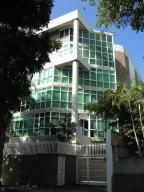 Apartamento En Venta En Caracas, Los Naranjos De Las Mercedes, Venezuela, VE RAH: 16-3118