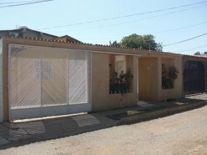 Casa En Venta En Coro, Monseñor Iturriza, Venezuela, VE RAH: 16-2769