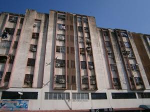 Apartamento En Venta En Valencia, La Candelaria, Venezuela, VE RAH: 16-2796