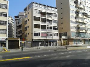 Apartamento En Venta En Caracas, Las Acacias, Venezuela, VE RAH: 16-2917