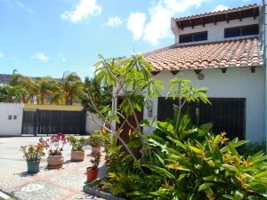 Townhouse En Ventaen Margarita, Los Robles, Venezuela, VE RAH: 16-2594