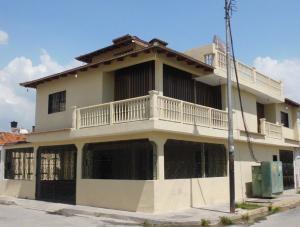 Casa En Venta En Turmero, La Fuente, Venezuela, VE RAH: 16-2854