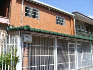 Casa En Venta En Maracay, San Ignacio, Venezuela, VE RAH: 16-2855