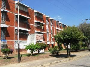 Apartamento En Venta En Maracay, Fundacion Maracay Ii, Venezuela, VE RAH: 16-2864