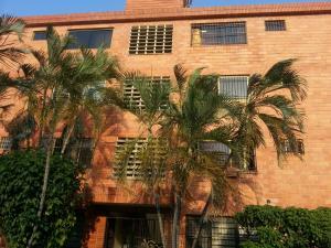 Apartamento En Venta En Valencia, Michelena, Venezuela, VE RAH: 16-2887