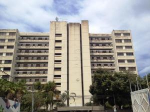 Apartamento En Venta En Parroquia Caraballeda, Los Corales, Venezuela, VE RAH: 16-3200