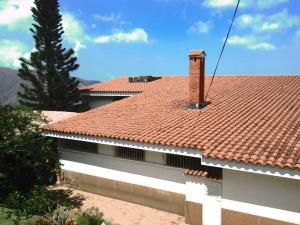 Casa En Venta En El Junquito-Vargas, El Junko Country Club, Venezuela, VE RAH: 16-2897