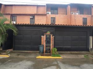 Casa En Venta En Guatire, El Encantado, Venezuela, VE RAH: 16-3266