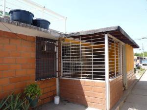 Casa En Venta En Cagua, Prados De La Encrucijada, Venezuela, VE RAH: 16-2970