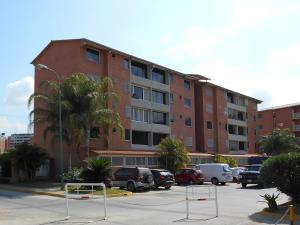 Apartamento En Venta En Guatire, Sector San Pedro, Venezuela, VE RAH: 16-2981